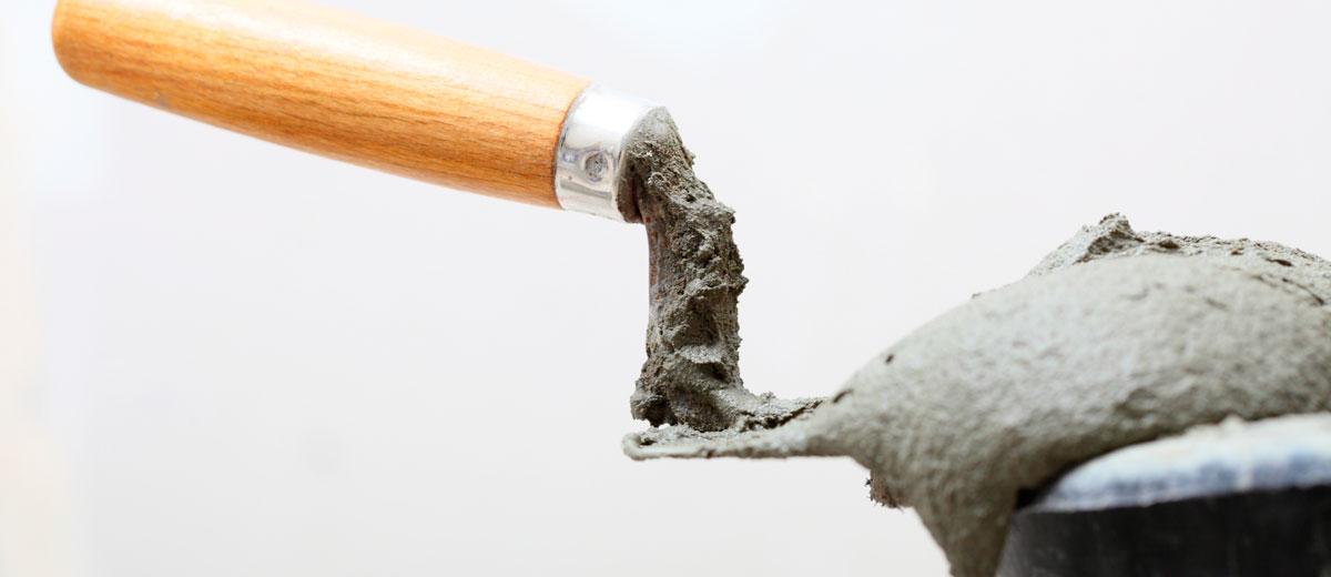Elimina y disuelve restos de cemento