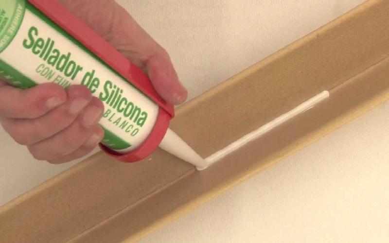 silicona selladora adhesiva