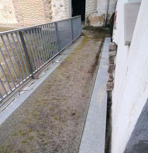 suelo caucho rayado